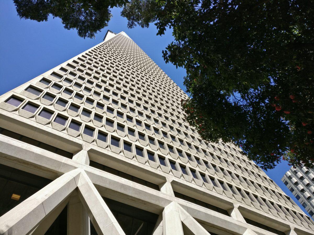 San Franciscon erikoinen pilvenpiirtäjä