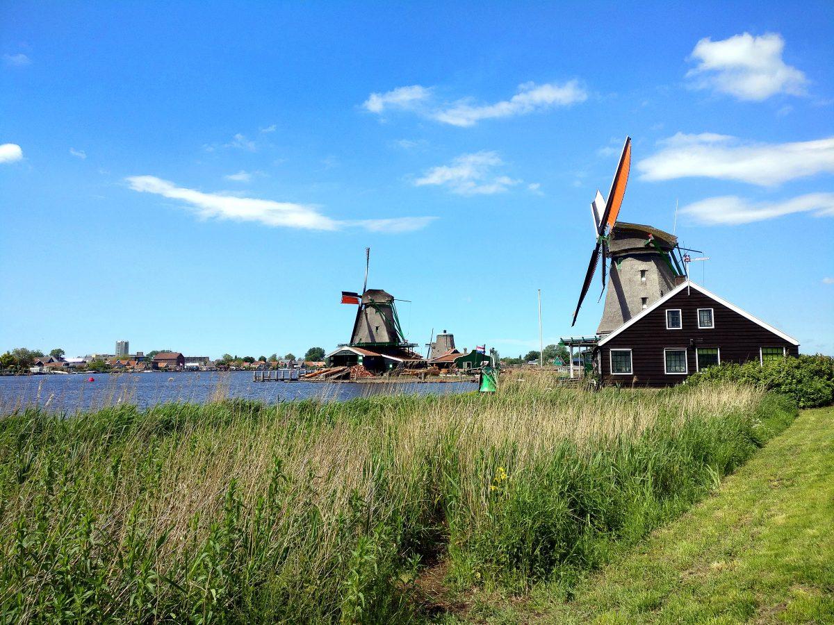 Tuulimyllyjä Hollannissa
