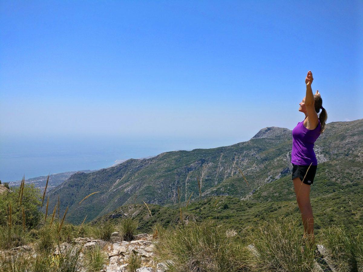 Vaeltamassa vuorilla lähellä Marbellaa