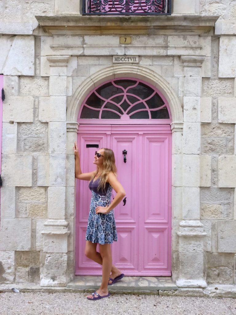 Seikkailijattaret Ranskassa, Sonja
