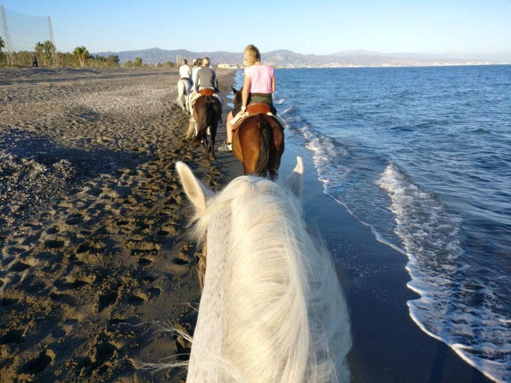 Ratsastus merenrannalla, Torremolinos