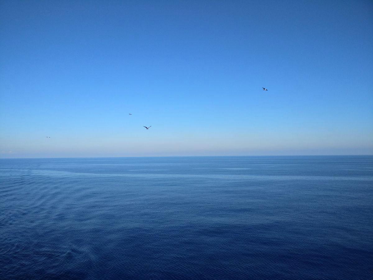 Välimeren risteily, merellä